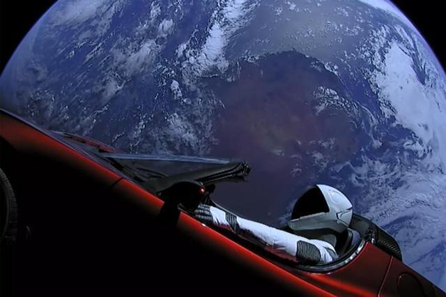 tesla roadster and star man in orbit