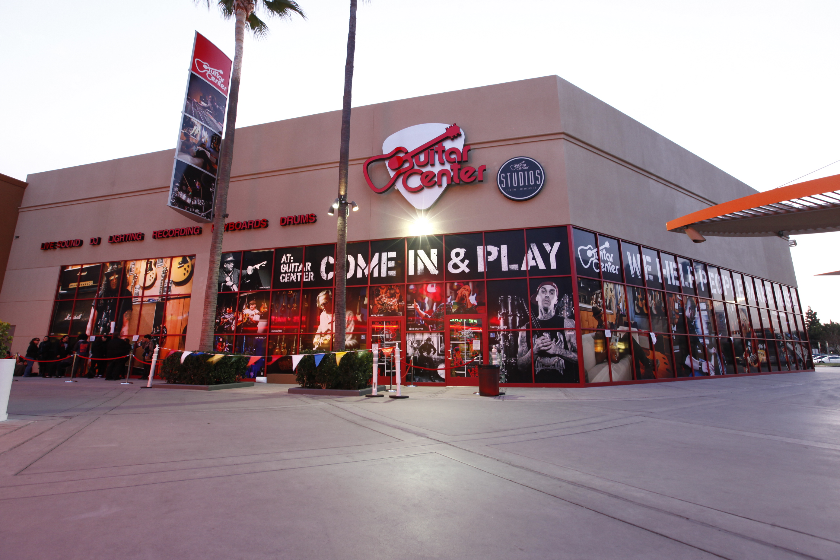 Guitar Center Was Once on a Precipice. Now Its Growing